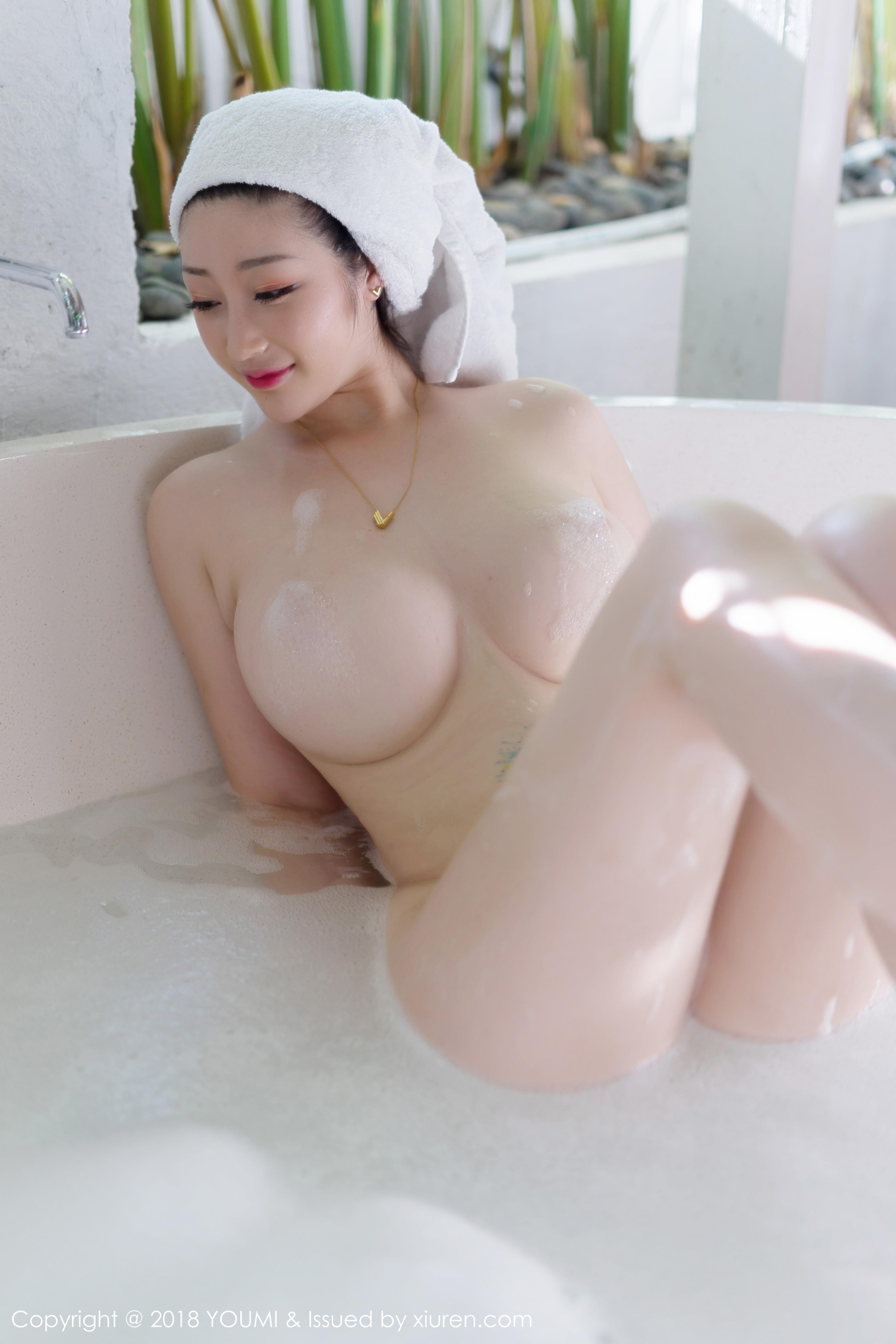 hot Chinese glamour - sexy boobs